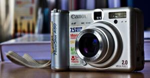 Salah satu kamera digital compact=